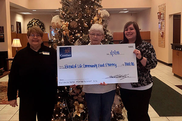 Centier Bank Donates to Bread of Life Plymouth Indiana